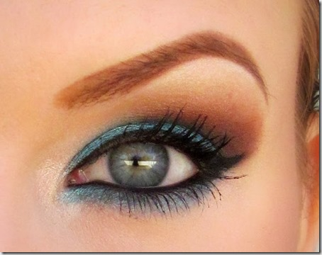 blue eyes makeup 60