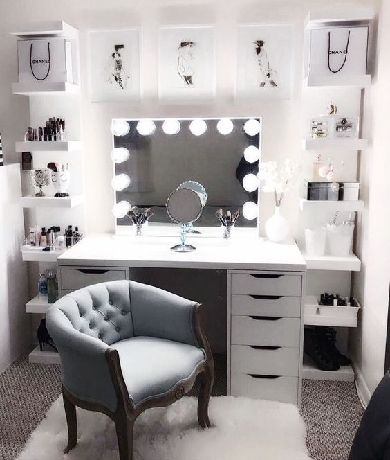 How to Decorate Your Makeup Room - Beauty That Walks on Makeup Room  id=60403