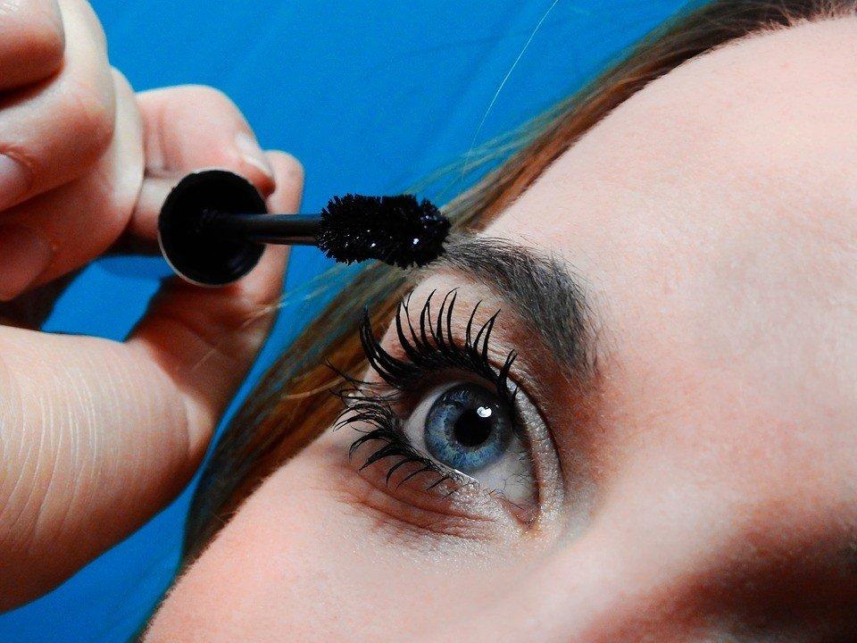 mascara lashes, fuller lashes