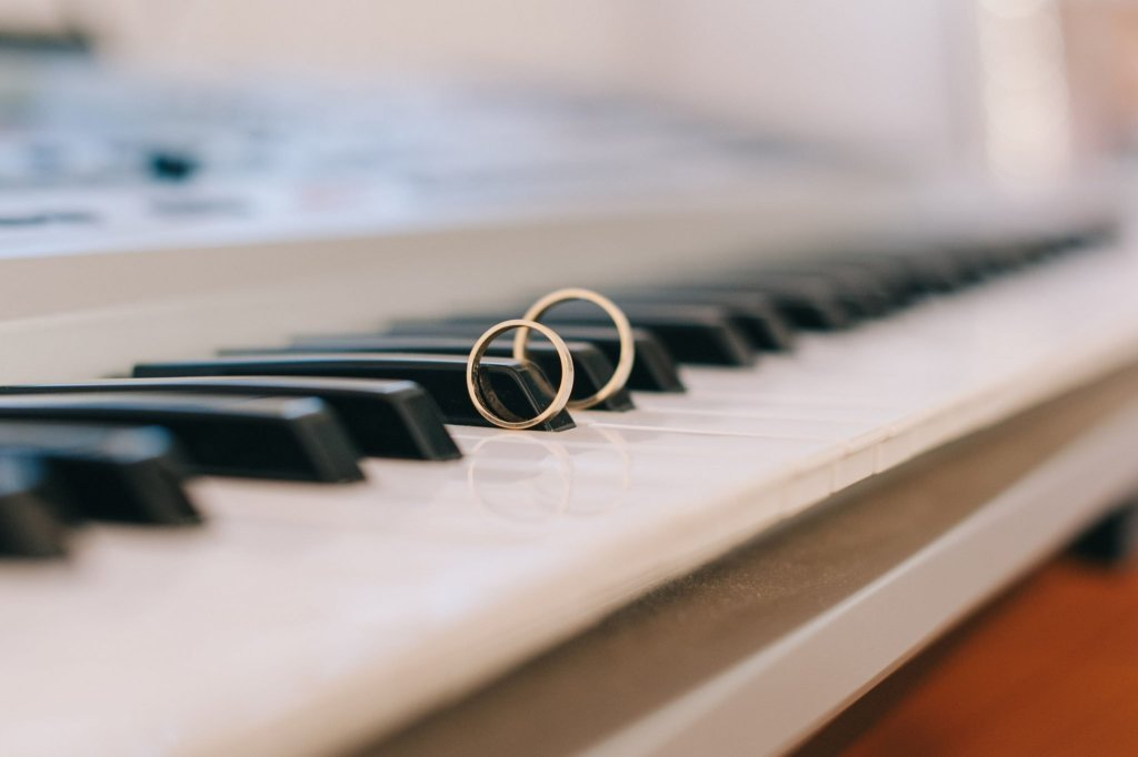 jazz music, piano, wedding ring