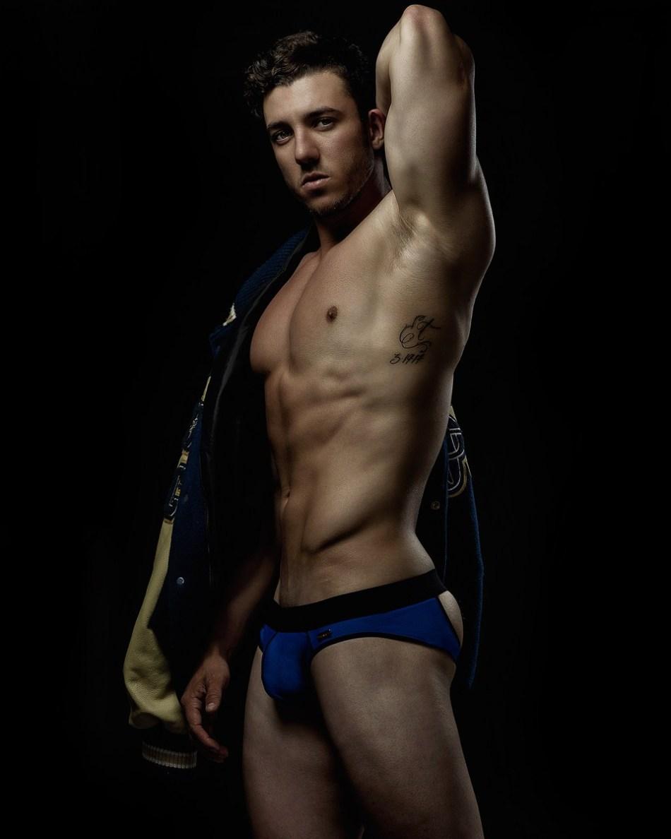 Trent Cresap par Armando Adajar pour HUNK2 Underwear