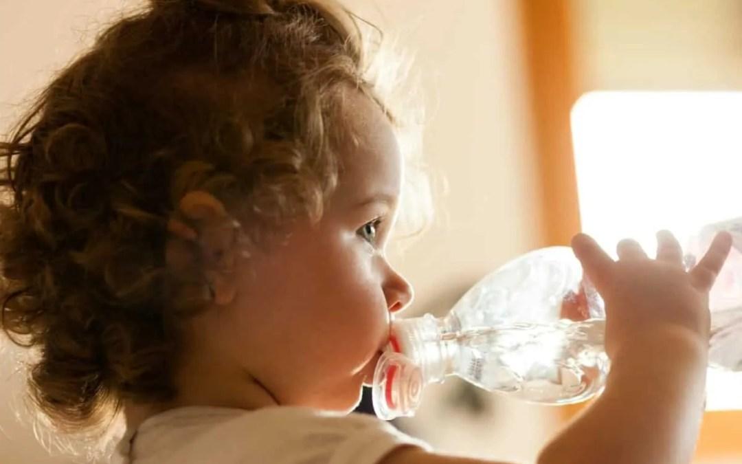 6 conseils pour aider bébé pendant les périodes de canicule