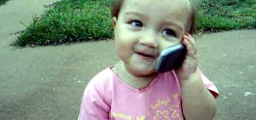 menina-falar-celular-telemovel