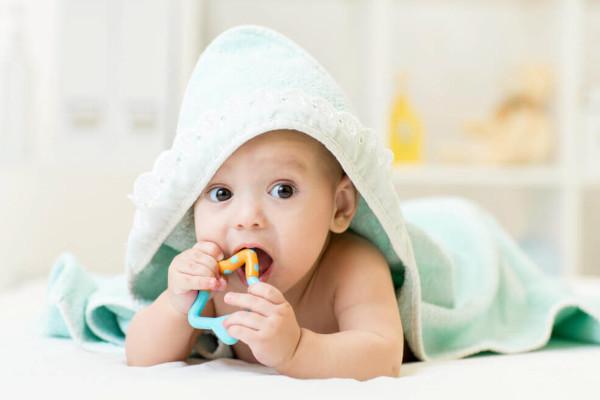 bebê 3 meses