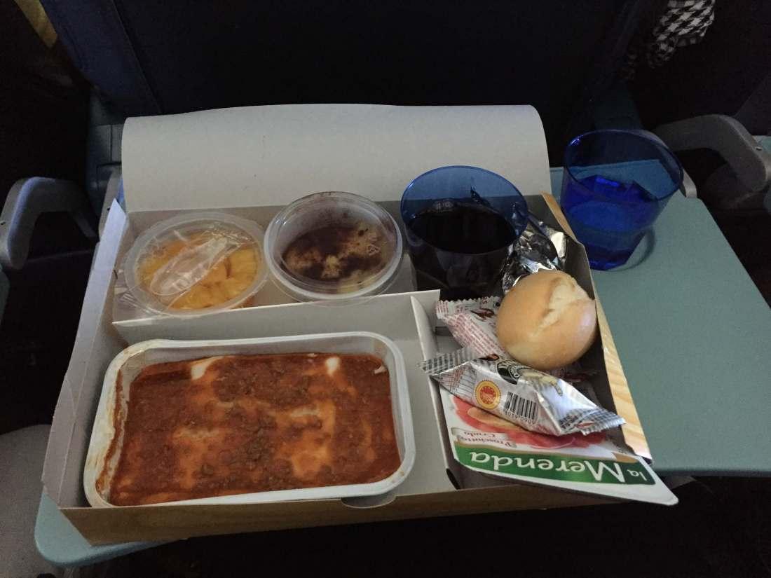 blu panorama compagnia aerea-pranzo
