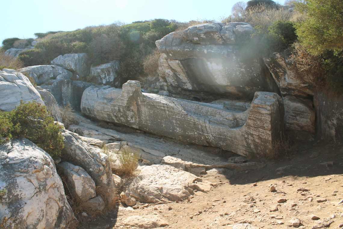 isola di naxos-4 statua di dioniso