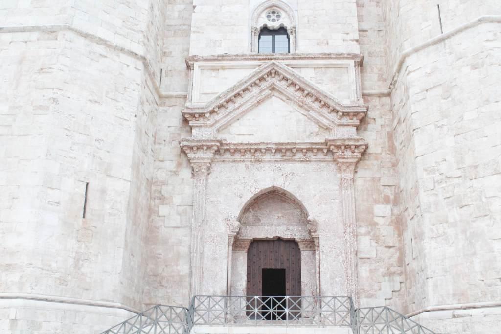 entrata di castel del monte