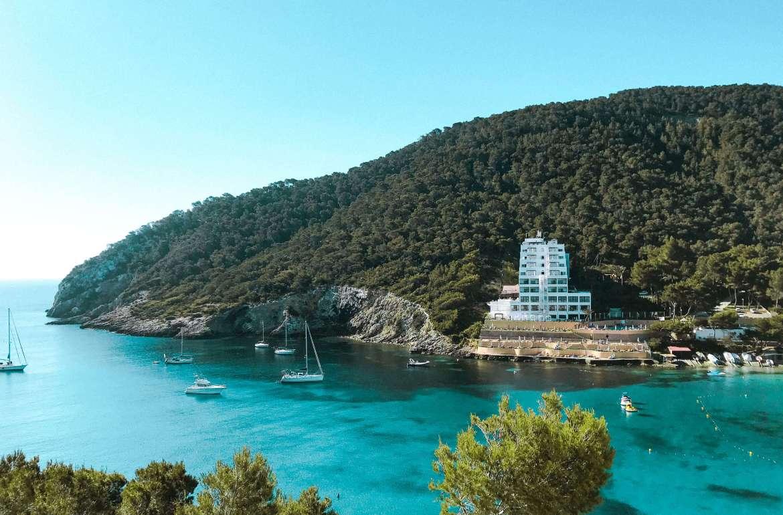 Cala Llonga-ibiza- spiaggia di cala Llonga-spiagge di Ibiza a nord-est