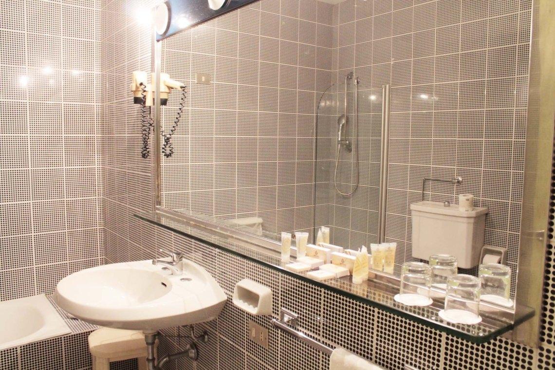 hotel-president-lecce-stanza bagno 1