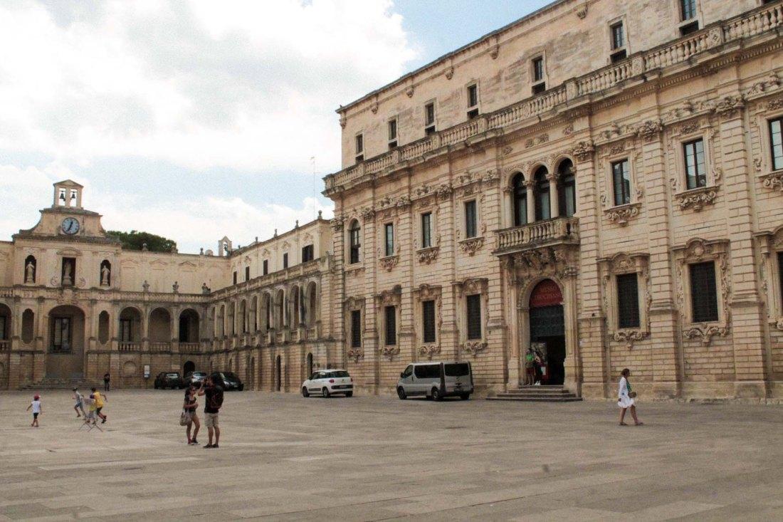 lecce-piazza duomo-museo diocesano