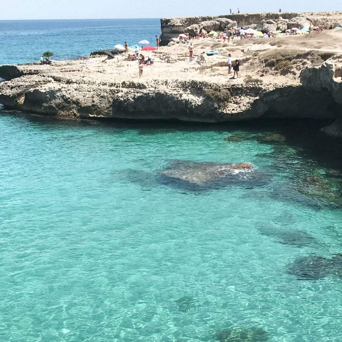 salento-grotta della poesia-mare cristallino