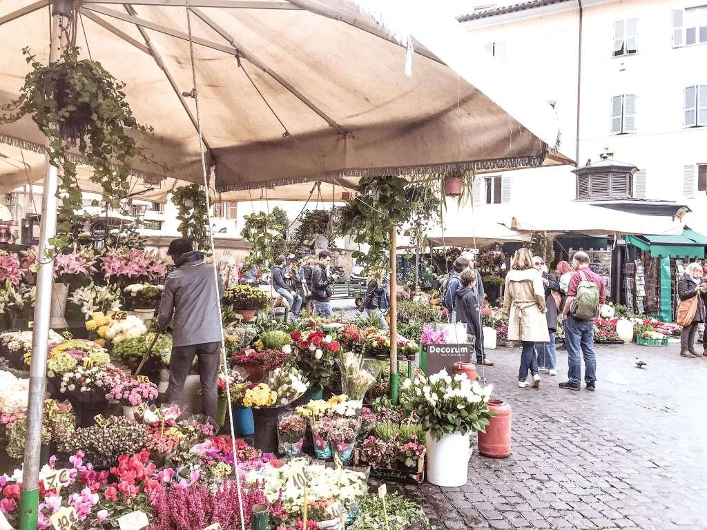 Roma-campo de fiori 2-min