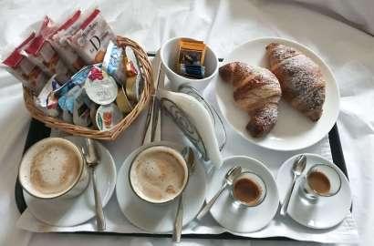 week end relax Il triclinio del fauno colazione in camera-min