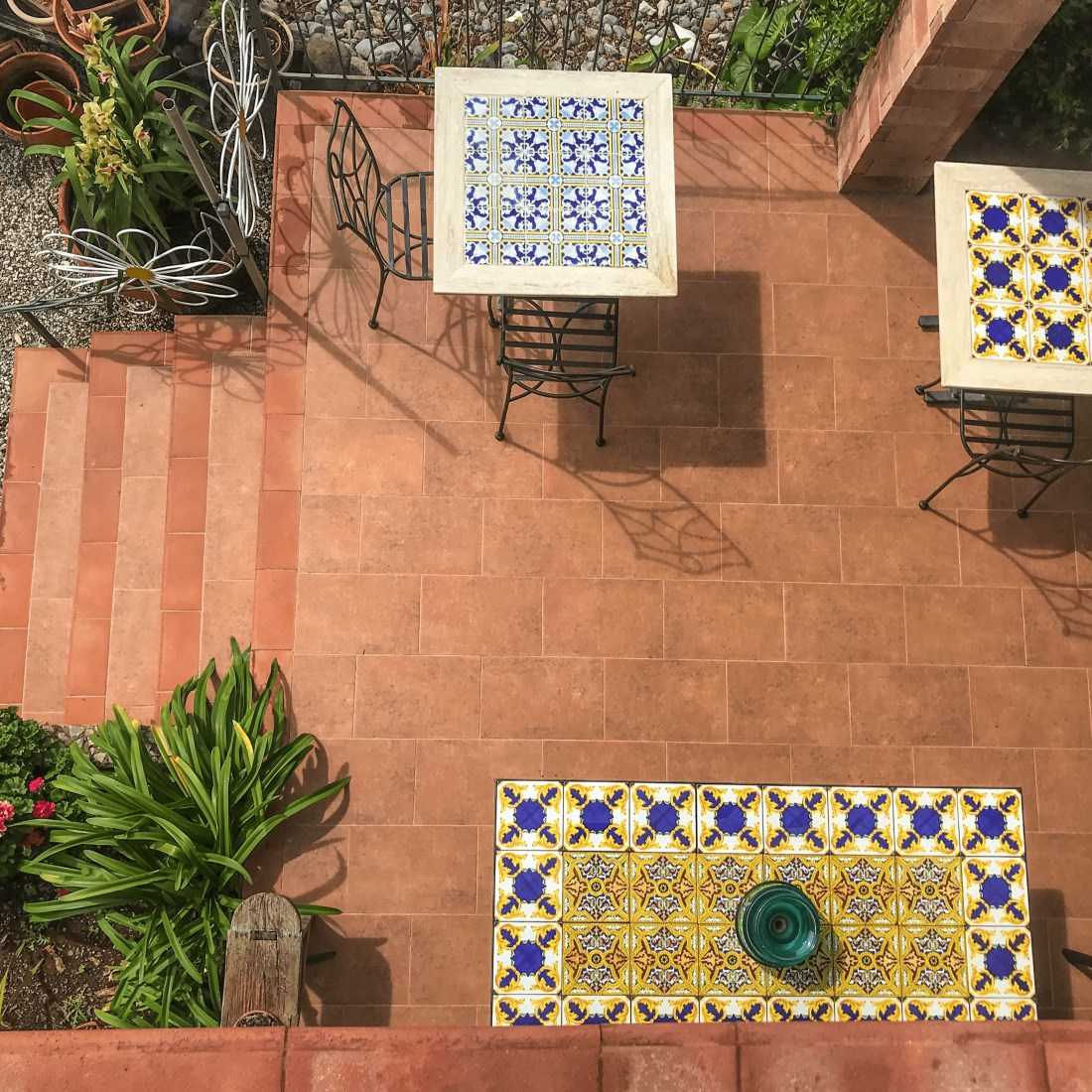 B&B le Anthos-patio-2-min