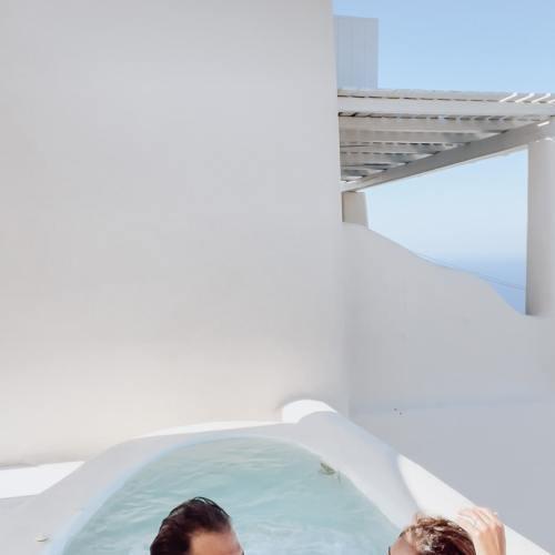 hotel con vasca esterna santorini
