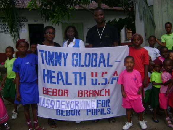 Another major part of our work with the health project has been to deworm our Bodo pupils. Two billion people worldwide are affected by soil-transmitted helminths (STH) and schistosomes, which account for over 40% of the worldwide burden of all tropical diseases excluding malaria. Children are particularly vulnerable to infection so they suffer the highest intensity and experience the greatest morbidity.