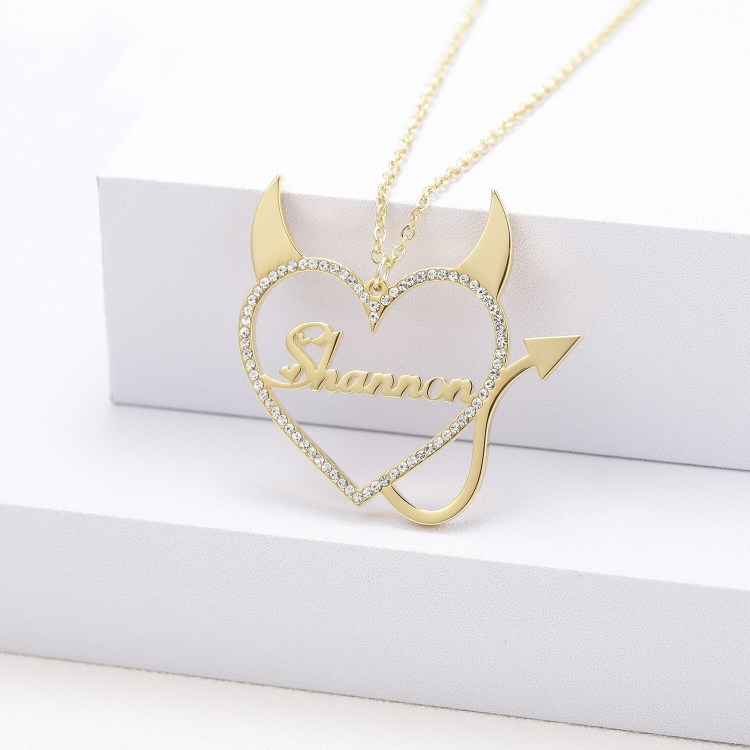 Personalized Casual Wear Custom Name Necklace For Women Best Quality My Nameplate Necklace With Crystal Heart Gold Silver Heart