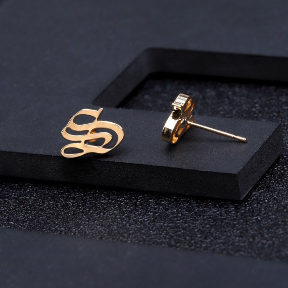 Stainless steel initial A to Z letter earring woman female alphabet old english gold jewelry ear piercing