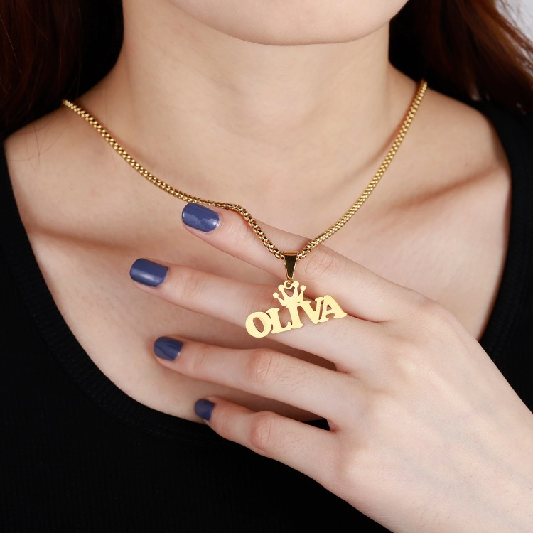 Personalized Crown Name Necklace High Quality Name Jewelry For Women Casual Wear Name Necklace