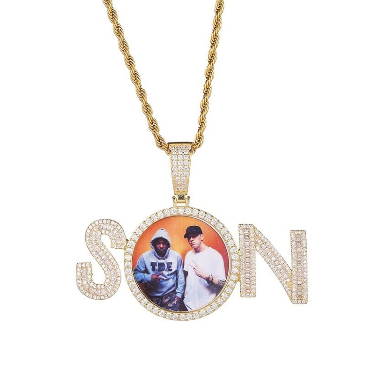 Hip Hop Custom One Name Photo Frame Necklace High Quality Charm For Personalized Jewelry Lovers Fancy Looking Photo Frame Name Necklace For Casual Outfits