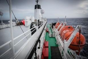 Safety First: Rettungsboote und Life-Jacket-Lager