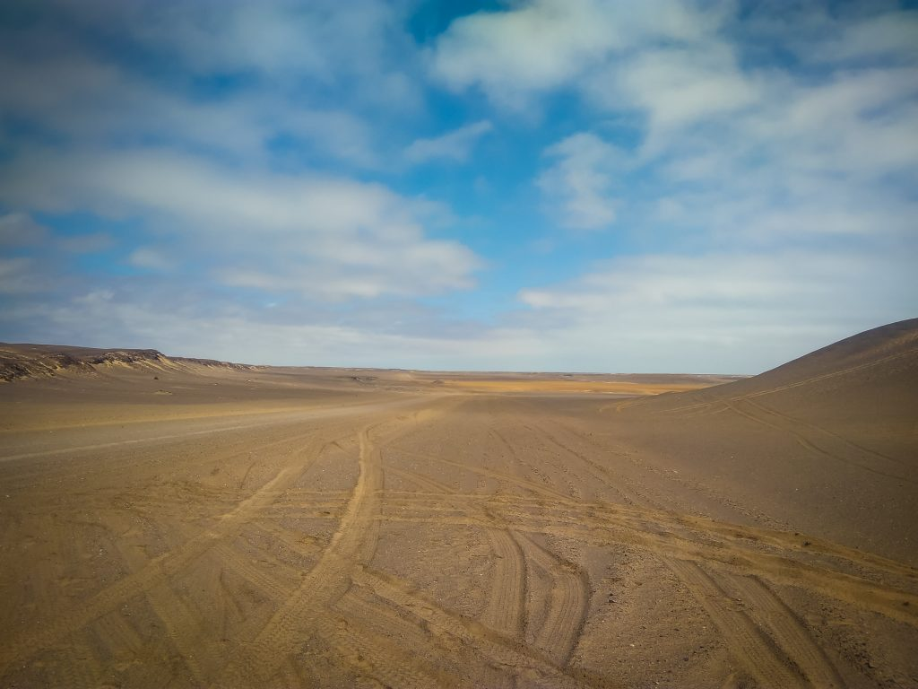 Sandpassagen an der Skeleton Coast