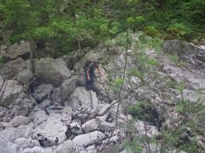 Beate in Krabbel-Kletter-Passage