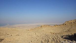 Im Dunst auf der anderen Seite: der israelische Kibbuz Ein Gedi