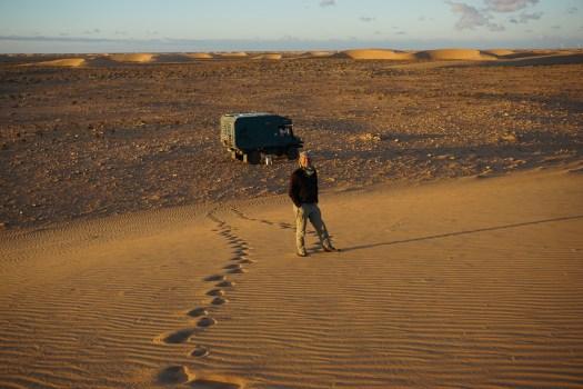 Unimog in der Wüste der Westsahara