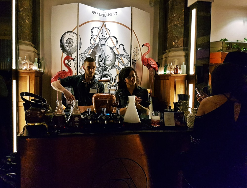 The Alchemist at the Cocktail Experience Leeds - Review by BeckyBecky Blogs