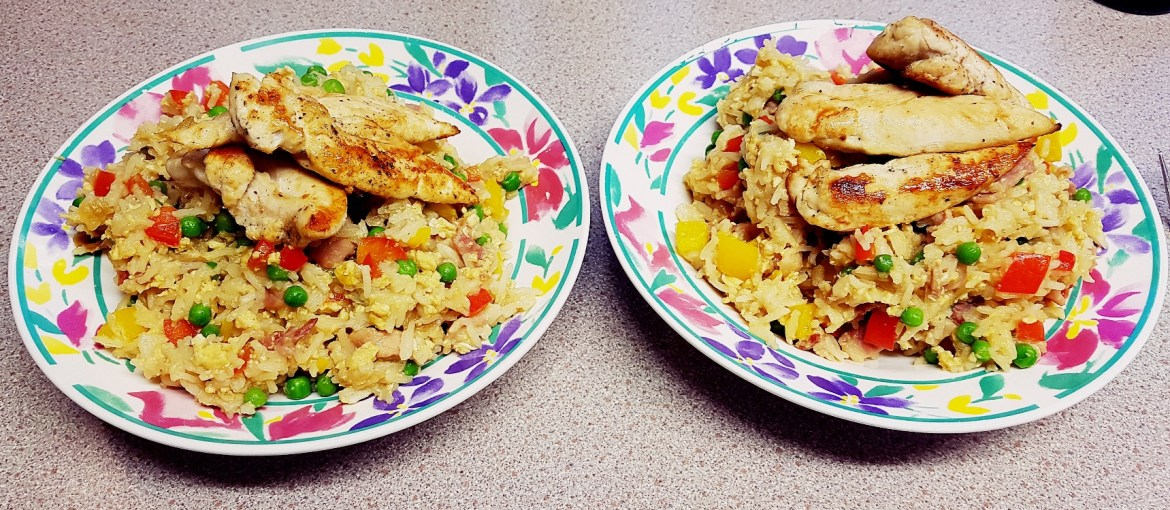 Fried chicken on top of egg fried rice - recipe by BeckyBecky Blogs