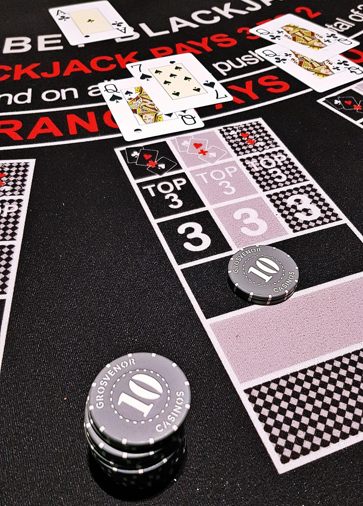 Early hands of blackjack - Grosvenor Casino Leeds review by BeckyBecky Blogs
