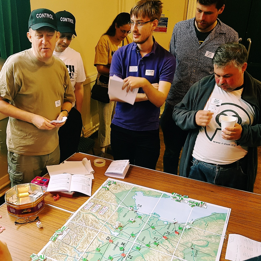 Guelphs and Ghibellines megagame trading at the map