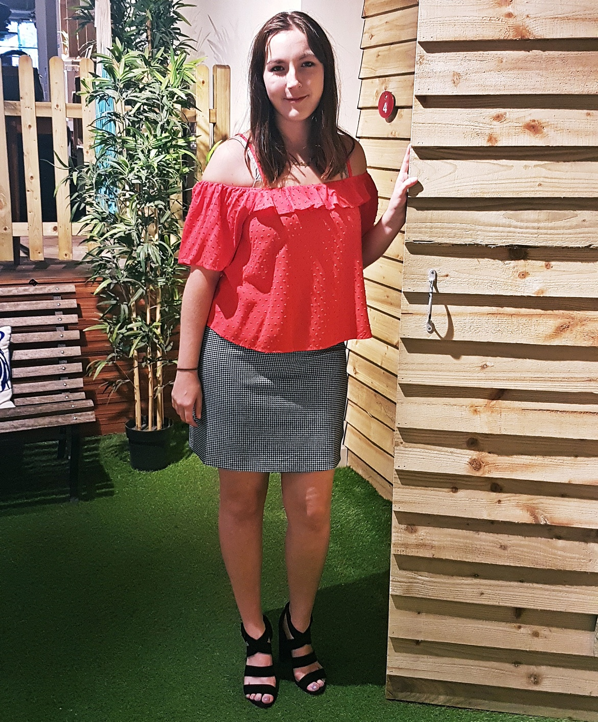 Keeleigh trying a top and skirt - Tune in with Joy the Store, Leeds shop review by BeckyBecky Blogs
