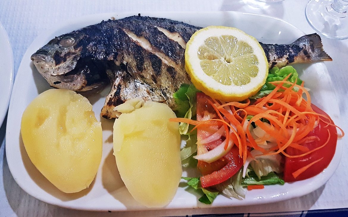 Whole golden bream at Restaurant de Calçada - Food and Drink in Lisbon, review by BeckyBecky Blogs