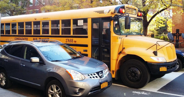 Yellow school bus - New York New York, travel blog by BeckyBecky Blogs
