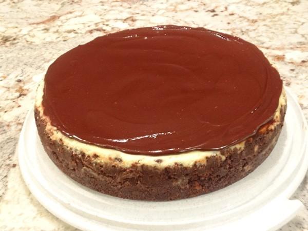 Chocolate Chip Cheesecake with Ganache