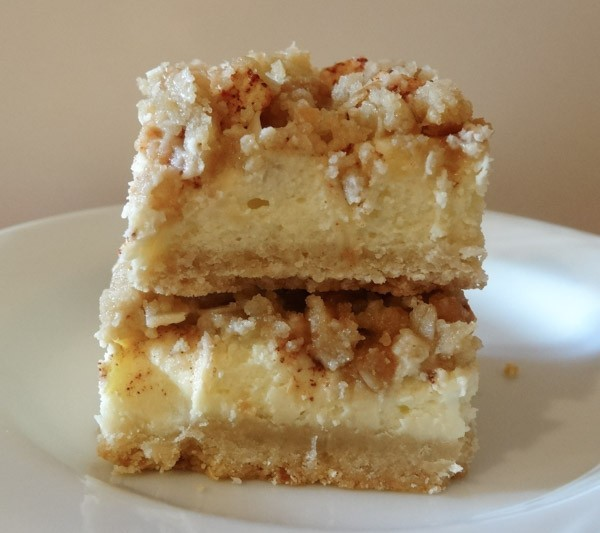 Apple Cheesecake Bars
