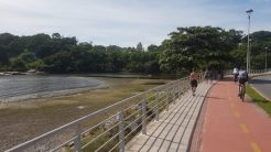 Ponte da Passagem entre os bairros de Camburi e Praia do Canto, Vitória.