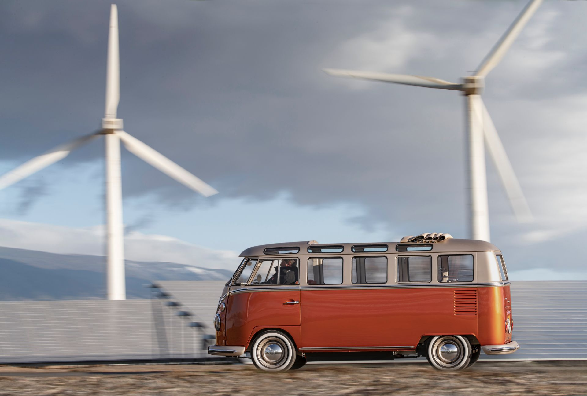VW e Bulli Concept 4
