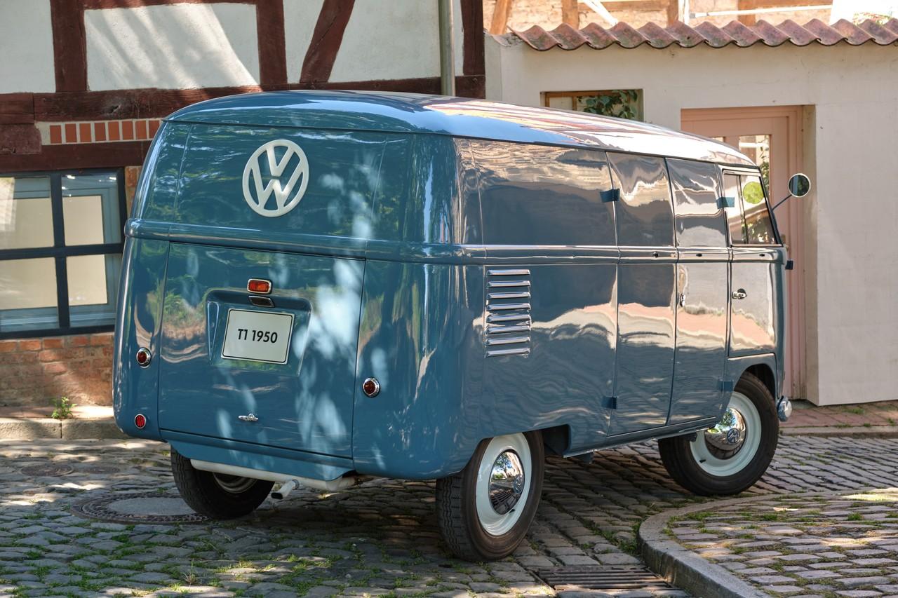 Sofie le plus vieux VW Combi fete ses 70 ans 3 BeCombi