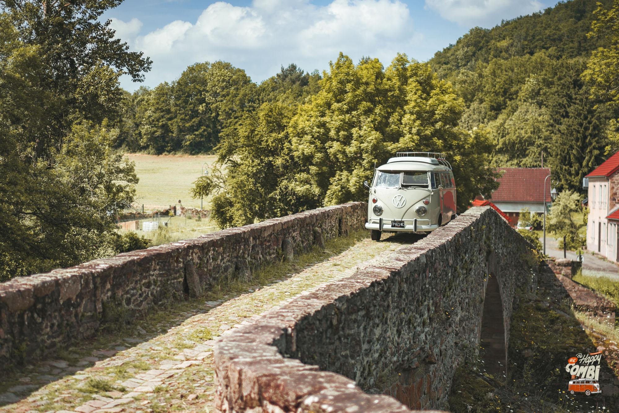 Le Combi au Pont Roman de Menat (63) - BeCombi