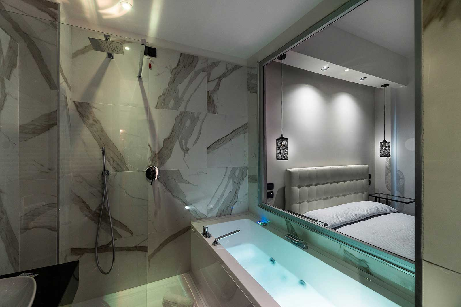 Chez Anna - Napoli (Suite con vasca idromassaggio Jacuzzi a vista)