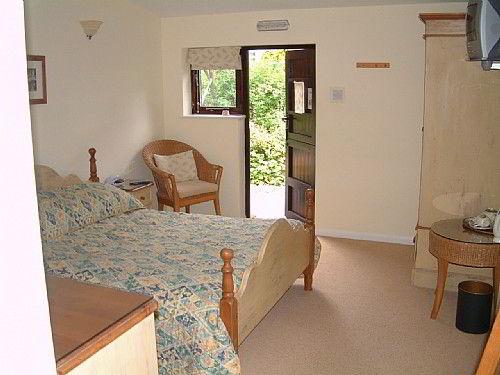Small Hotel West Lodge Hotel Rural Near Aylesbury