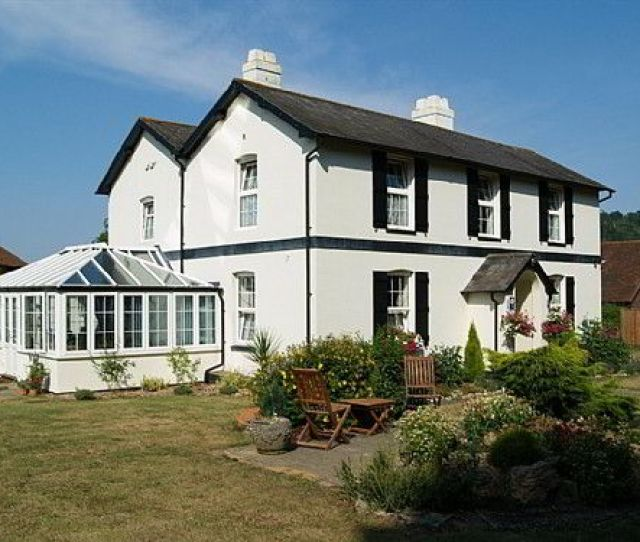 Bed And Breakfast On The Outskirts Of Dorking Back Denbies Farmhouse Accommodation