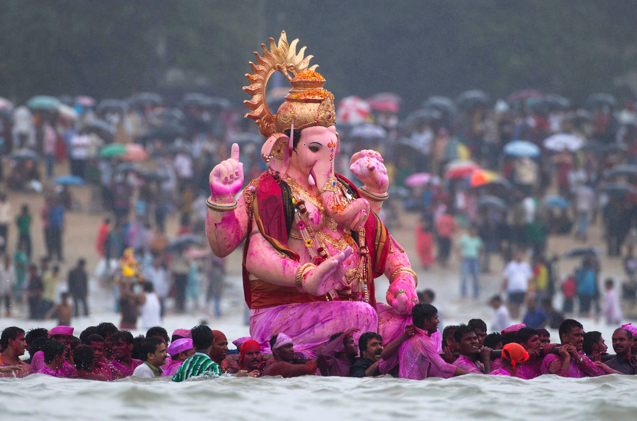 Ganesh Chaturthi festival, immersion in ocean