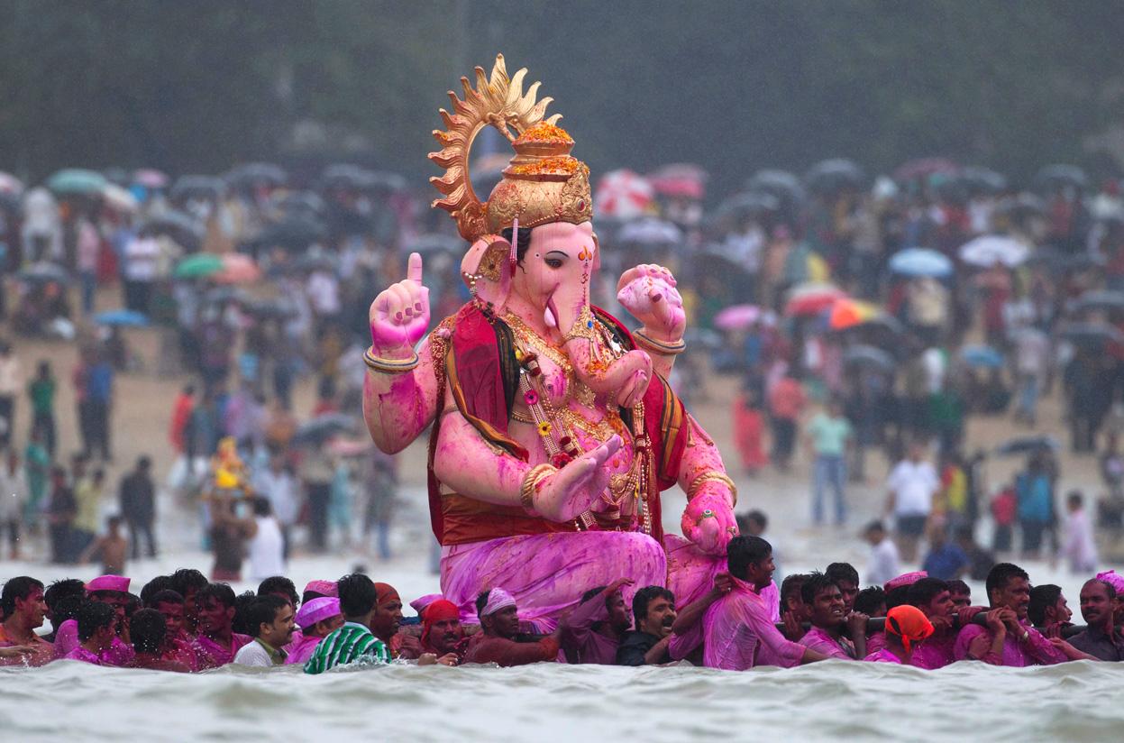 Ganesh Chaturthi festival, immersion in ocean