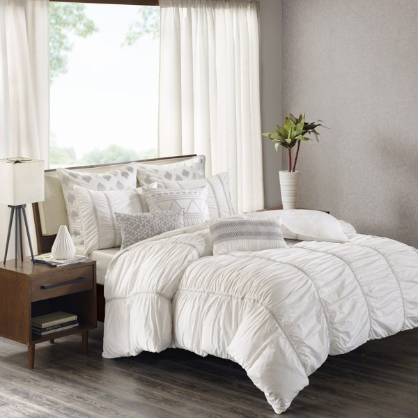 Reese White Ink And Ivy Bedding