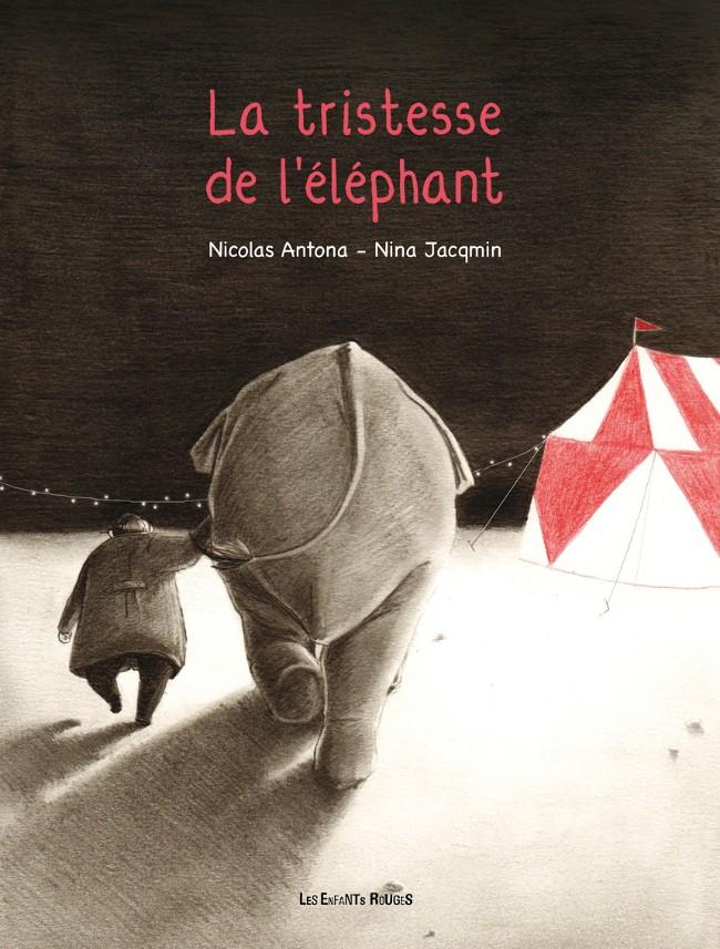 éléphant de dos dans un cirque