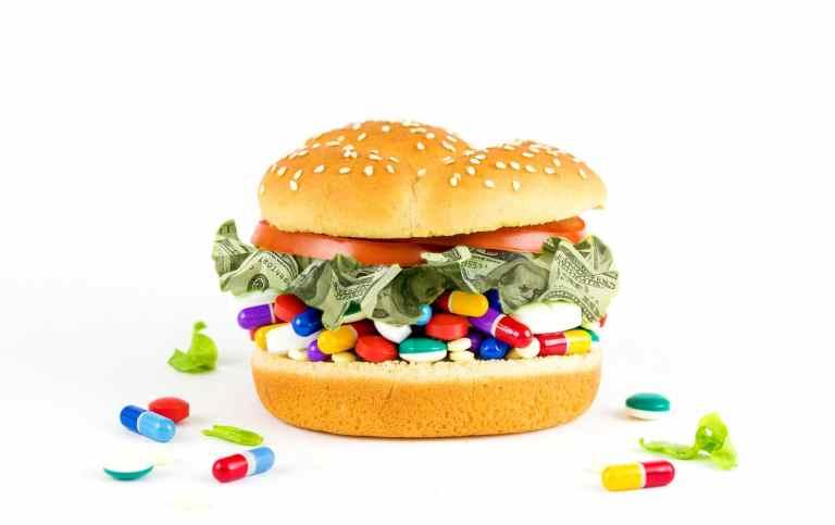 Les labels d'aujourd'hui vendent des aliments ultra transformé n'ayant aucun bienfaits pour notre santé. Leur seul objectif est de nous rendre accros à leur produit et il faut savoir que leur objectif est largement accomplie en ce moment même.